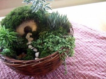 aholyexperience.com Making an Easter Garden