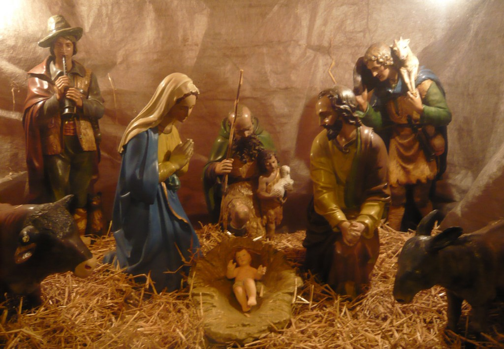 Christmas crib outside of St. Edward's church, Kettering, 2008