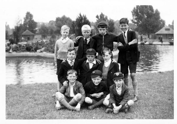 St. Dominic's School EvacueesSummer Picnic in Wicksteed Park July/Aug 1940