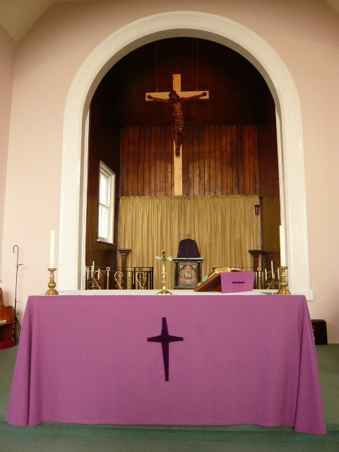 Holy Trinity Church, Desborough, Altar during Lent