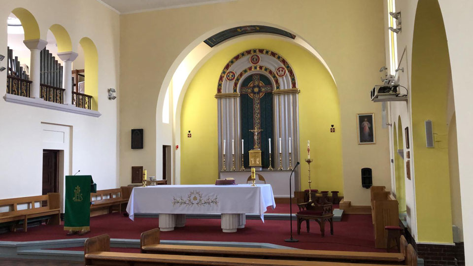 Altar at St. Edward's Church, Kettering